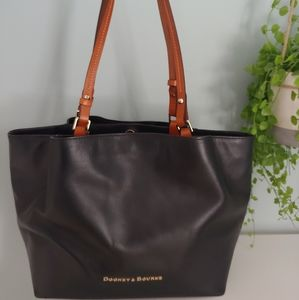 Dooney and Bourke Flynn Tote bag